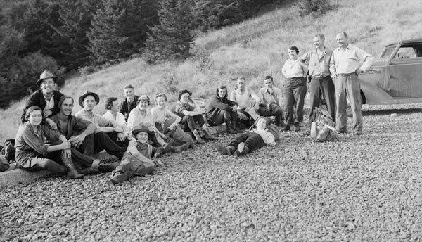 Group Hike (Roth).jpeg