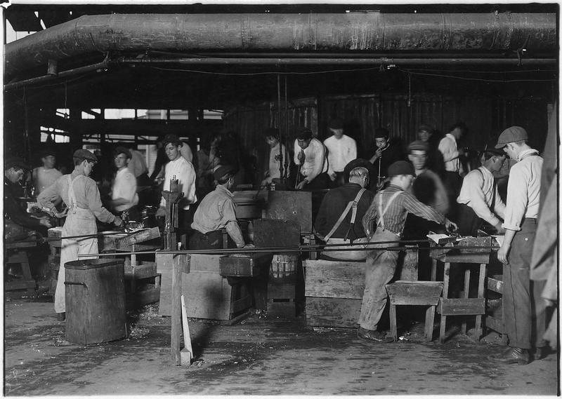 Workers in Bridgeton, N.J. (1909)