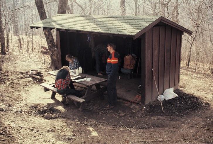 Hawk Mountain Shelter 03231974.jpg