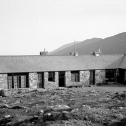 Lakes of the Clouds Hut (1937)